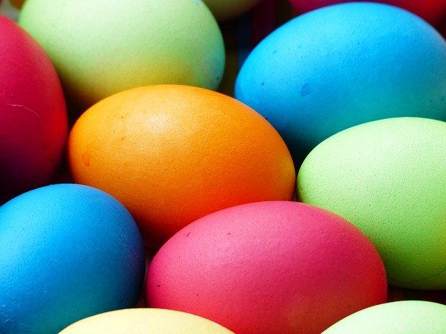 Vibrant colours for Easter eggs