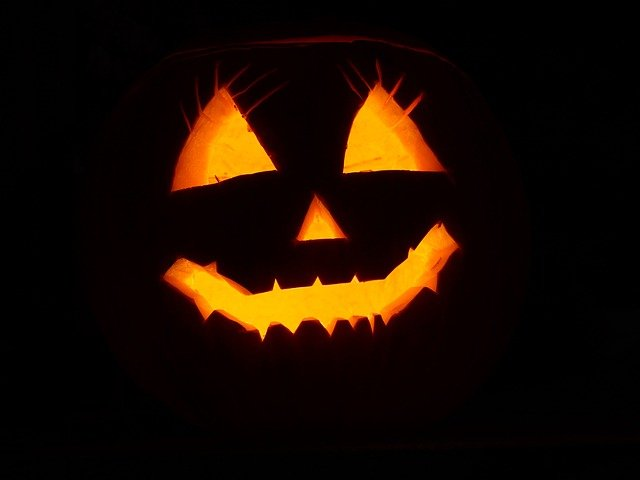 A spooky pumpkin Halloween face
