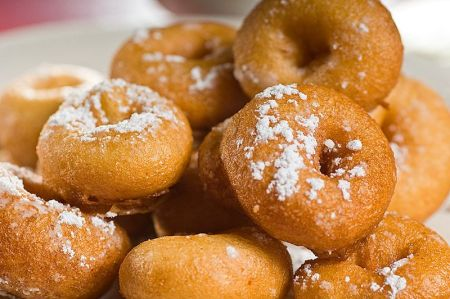 800px-John's_Inc_Pizza_mini_Donuts