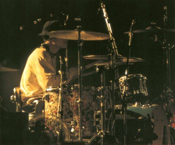 Reni drumming
