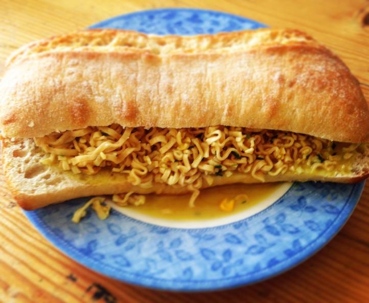 Noodles Sandwich