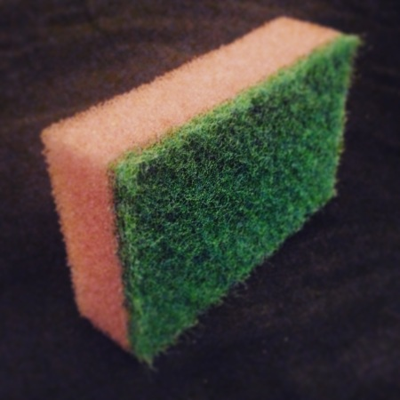 How to use a kitchen scourer
