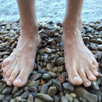 "Agony Aunt: ""My boyfriend's feet are really massive and annoying!"""