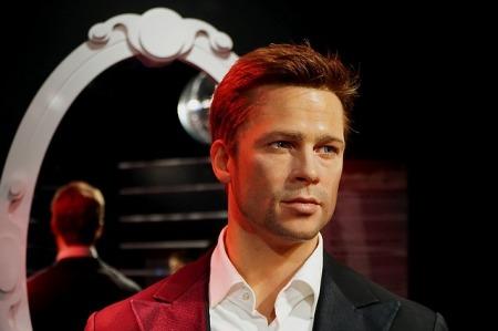 How do I look like Brad Pitt?