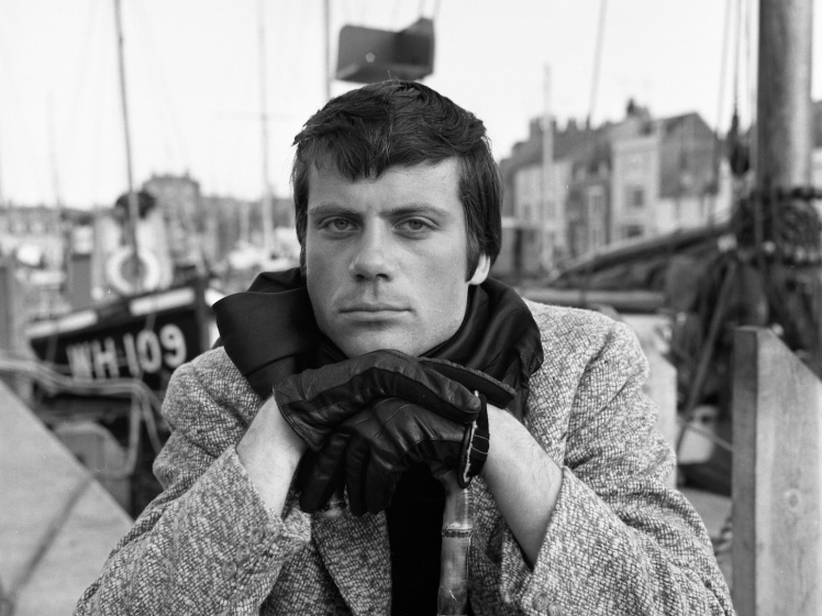 Oliver Reed - eccentric interviews
