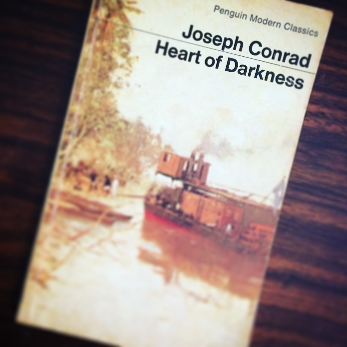 an analysis of the concept of light and dark in the novel heart of darkness by joseph conrad