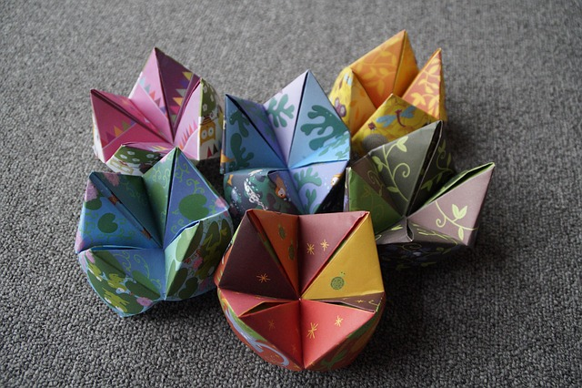 How to make a Cootie Catcher Step by Step Instructions - Red Ted ... | 426x640