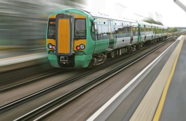 Commuting train