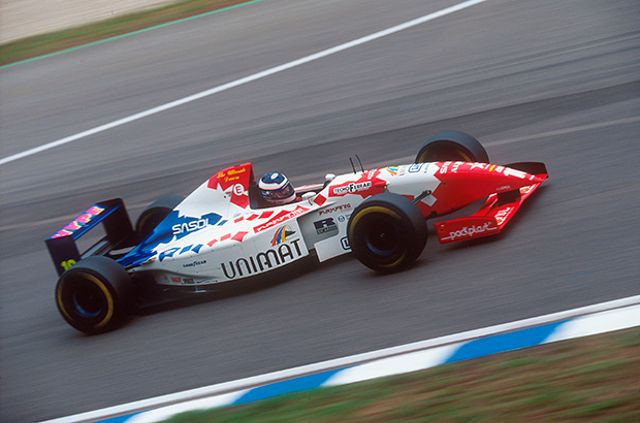 Taki Inoue driving his Footwork F1 car