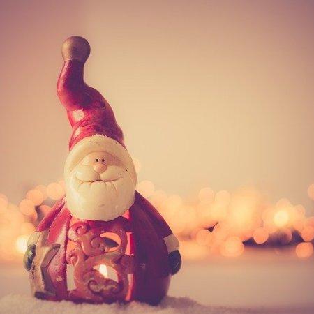 A Santa Claus toy model