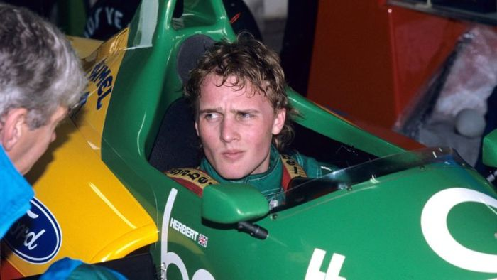 Johnny Herbert in the Benetton at Rio in 1989.